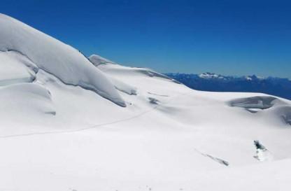 Un percorso dal sapore antico tra i versanti del Monte Rosa con destinazione la Capanna Margherita in cima alla Punta Gnifetti