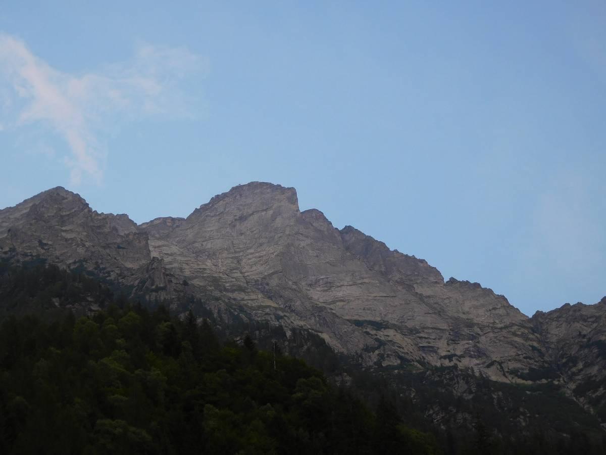 Punta Pioda dai pressi dell'alpe colla