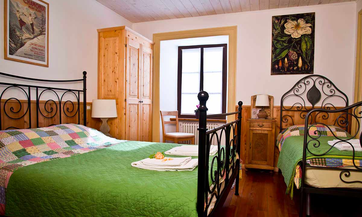 bed-and-breakfast-valsesia-rassa-camera-matrimoniale.jpg
