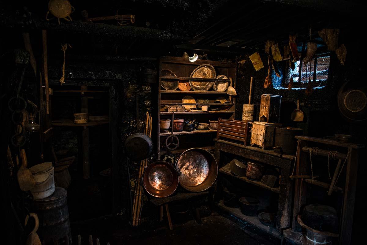 Cucina e stanza stagionatura formaggi